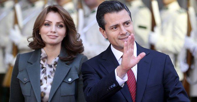 El presidente de México, Enrique Peña Nieto junto a su esposa, Angélica Rivera.