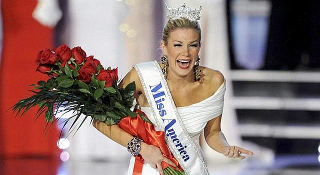 Miss Nueva York, Mallory Hagan Hytes, reaccionando al ser coronada Miss America 2013 en el Planet Hollywood Resort y Casino en Las Vegas, Nevada.