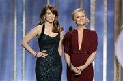 Tina Fey y Amy Poehler condujeron los Golden Globe.