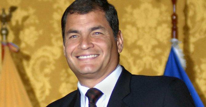 Rafael Correa cedió sus funciones presidenciales para dedicarse a su campaña
