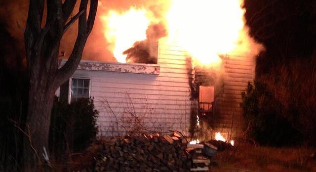 El incendio en Dickerson, Montgomery, ocurrió la madrugada del domingo 20. No hubo víctimas.