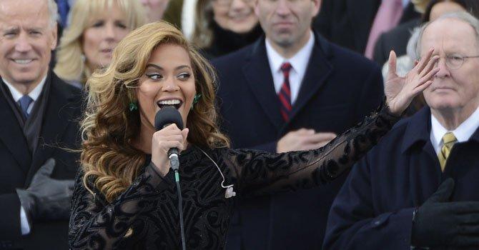 Beyonce admite que cantó el himno con pista