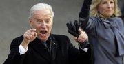 El vicepresidente Joe Biden y su esposa caminaron en las calles de DC el lunes 21 después de la juramentación.
