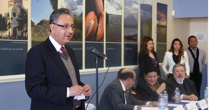 El presidente del Registro Nacional de las Personas Naturales (RNPN) Fernando Arturo Batlle el miércoles 23 de enero en la inauguración de la oficina en Virginia, para emitir el Documento Único de Identidad (DUI).