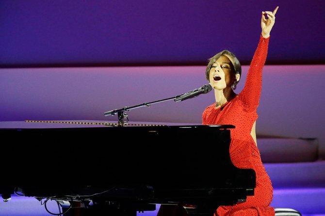 """""""OBAMA IS ON FIRE"""". Alicia Keys cambió su canción."""