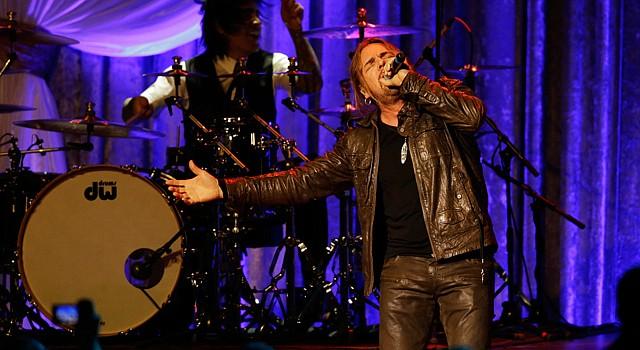 """ROCK. La banda mexicana de Rock en español Maná dijo presente en el baile inaugural del presidente Barack Obama la noche del lunes 21. Interpretaron canciones como """"Corazón Espinado""""."""