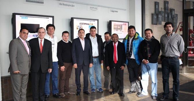 La delegación de alcaldes colombianos el martes 29 de enero en las instalaciones de The Washington Post.