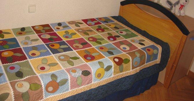 Las colchas son una de las primeras piezas que producen quienes se inician en el arte de coser con retazos.