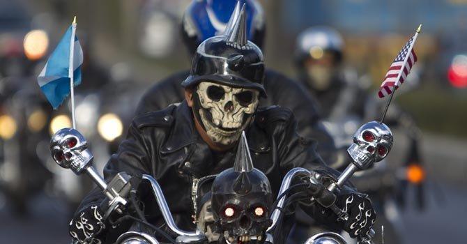 La Caravana del Zorro es una peregrinación que reúne a 30.000 motociclistas.