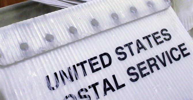 """A partir de agosto el correo postal sólo distribuirá paquetes de """"prioridad"""" los sábados."""