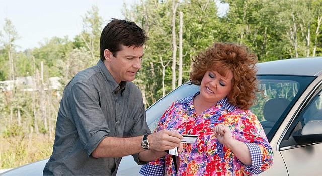 """El actor jason Bateman y la actriz Melissa McCarthy durante una escena de la nueva comedia """"Identity Thief""""."""