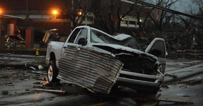 Mississippi: Tornado causa destrozos