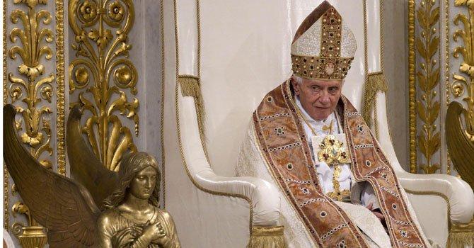 Comunidad hispana lamenta renuncia del Papa