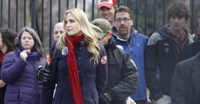 Daryl Hannah fue arrestada el miércoles 13 de febrero durante una protesta frente a la Casa Blanca