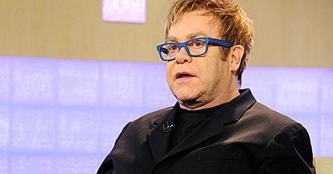 Elton John lanza campaña contra el sida en San Valentín