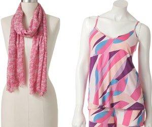 Una bufanda y un pijama compuesto por una camiseta y pantalón corto multicolor que forman parte de la nueva línea de ropa diseñada por Jennifer López y que hacen parte del programa Kohl's Cares, una campaña para luchar contra el cáncer de seno.