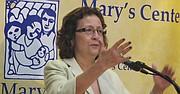 María Gómez dijo que Mary's Center seguirá atendiendo a los inmigrantes sin importar su estatus migratorio.