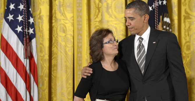 Obama premia a colombiana de DC