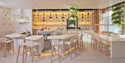 Interior de Barmini, un nuevo concepto de coctelería, en Washington, DC. El establecimiento se suma a varios que son propiedad de José Andrés.