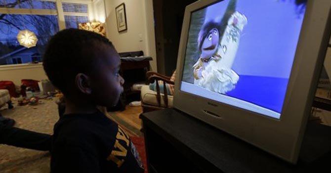 Ver TV libre de violencia mejora la conducta infantil