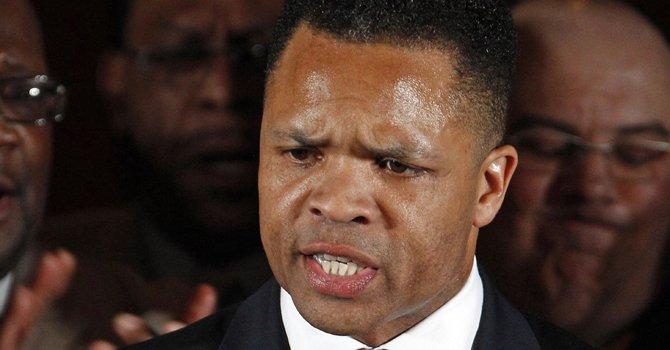 Ex legislador Jesse Jackson culpable de malversar fondos