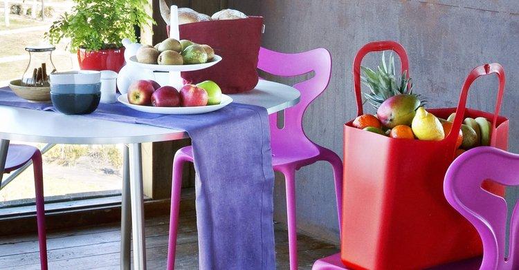 Los muebles de plástico han sido usado en diferentes ambientes del