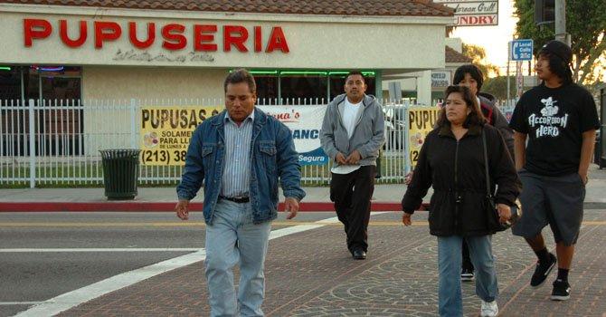 California: apoyan ciudadanía para indocumentados
