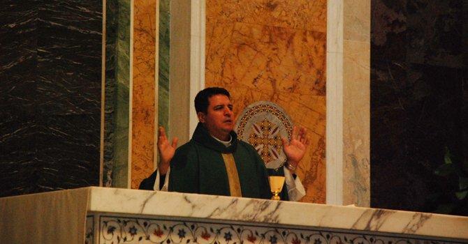 Llaman a católicos de Washington a confesarse