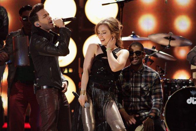 Un dúo dinámico hicieron Thalía y Prince Royce en Premio Lo Nuestro.