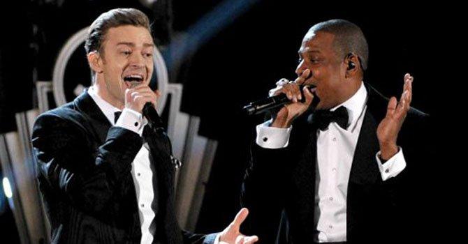 Just Timberlake y Jay-Z durante su presentación en la 55ª entrega de los Grammy en Los Angeles en una fotografía del 10 de febrero de 2013.