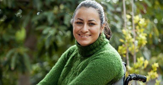 María Pino Brumberg, de 32 años, tiene todos los sueños de una joven, pero para realizarlos necesita su silla de ruedas. A los 13 años a María le diagnosticaron Ataxia de Friedreich.
