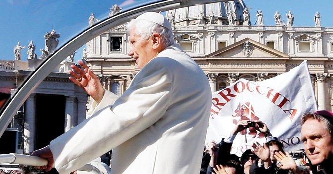 """Primer día sin Papa: Benedicto XVI dice """"adiós"""""""