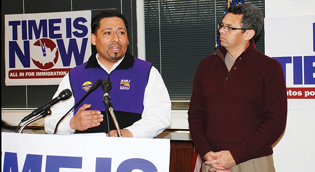 ACCIÓN. El sindicalista Jaime Contreras (izq.) y el activista Gustavo Torres anuncian la campaña, en DC, el 26.