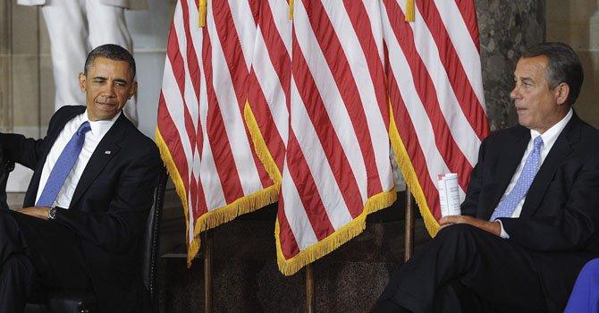 El presidente estadounidense, Barack Obama (izq.),  y el presidente de la Cámara de Representantes, el republicano John Boehner.