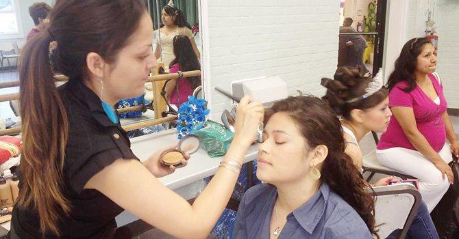 Quinceañera: el maquillaje es el toque final