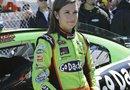 La piloto Danica Patrick encabezó la clasificación para la carrera Daytona 500, y se convirtió en la primera mujer en ganar la pole position en la popular categoría NASCAR.