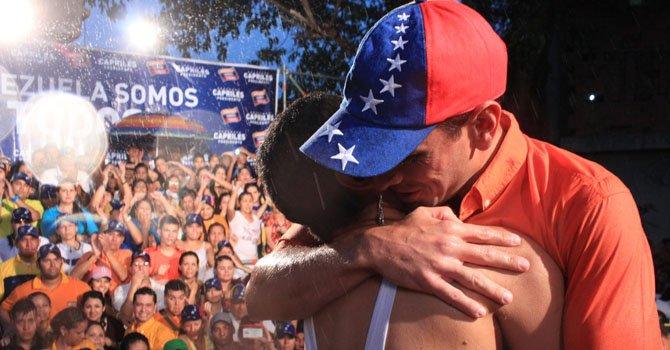 Capriles y Maduro siguen en batalla por la presidencia