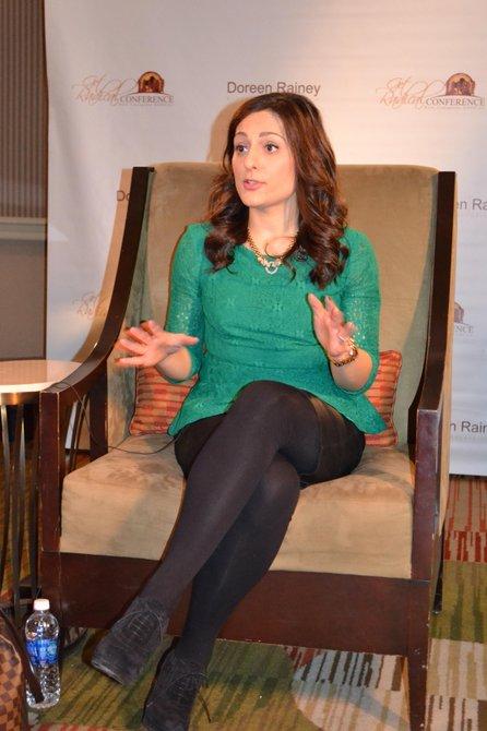 Farnoosh Torabi, presentadora y experta financiera.