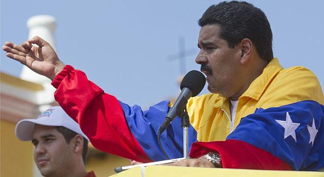 El presidente encargado de Venezuela Nicolás Maduro pronuncia un discurso hoy, martes 26 de marzo de 2013, durante la conmemoración de los 19 años de la salida de prisión del entonces comandante Hugo Chávez en la comunidad de Yare,Venezuela.