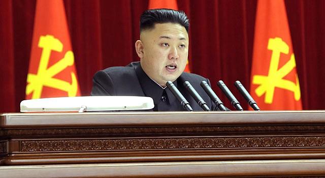 Kim Jong-Un , mientras asiste a una sesión plenaria del Comité Central del Partido único de los Trabajadores celebrado en Pyongyang, Corea del Norte.