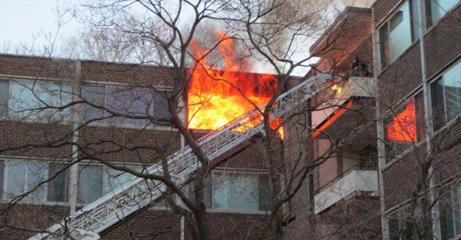 Un muerto y tres heridos deja incendio en MD