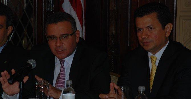 Presidente salvadoreño pide ampliación de TPS