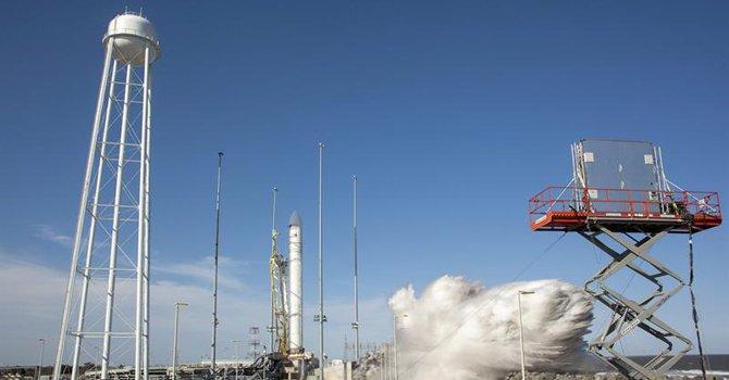NASA lanzó cohete de prueba desde Virginia