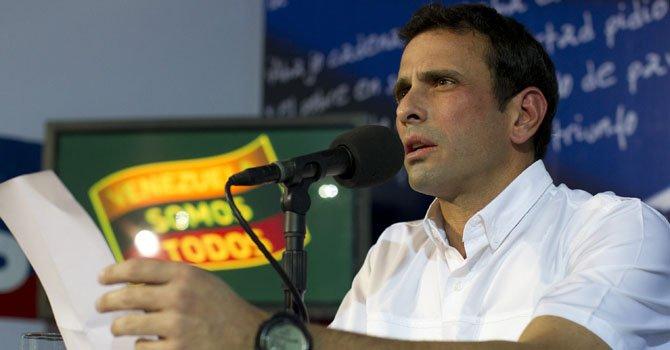Venezuela: Capriles se reunirá con Maduro el lunes