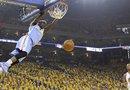 Los Heat y Spurs pasan a semifinales; Warriors y Knicks cuentan con ventaja (3-1) Mate del jugador Ty Lawson (izda) de los Denver Nuggets en el partido frente a los Golden State Warriors.