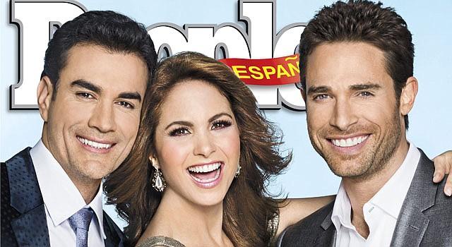 """Portada de la revista """"People en español"""" en su número especial de los 50 más bellos en la que aparecen los actores David Zepeda (izq.) y Sebastián Rulli (dcha.) acompañados de la cantante y actriz Lucero."""