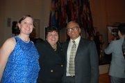 Alicia Wilson y Juan Romagoza con la delegada estatal de Maryland, Ana Sol Gutiérrez (centro).