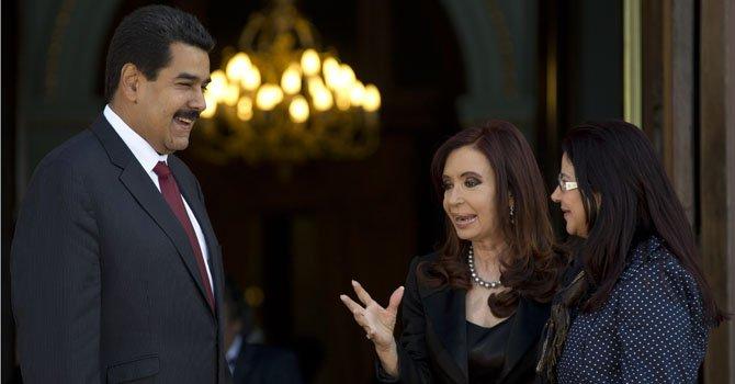 Maduro firma nuevos acuerdos con Argentina