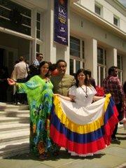 De izq. a der. los funcionarios de la embajada de Venezuela, Valentina Figuera, Marcos García y Monica Sánchez.