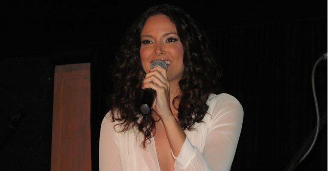 La ex Miss Universo Denise Quiñones regresa a los escenarios